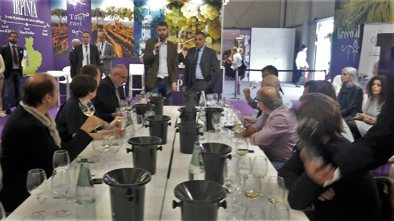 Vinitaly 2017: Il Greco di Tufo Sertura incanta la stampa tedesca.