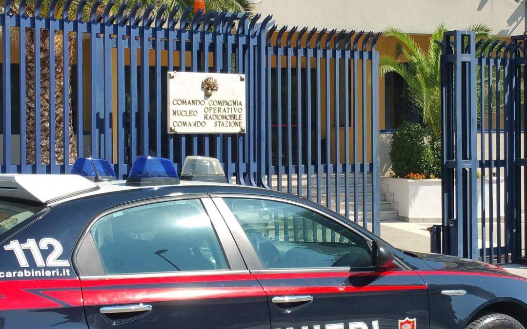 Raffica di kalashnikov contro tre persone un'auto tra Mileto e Rosarno, un ferito