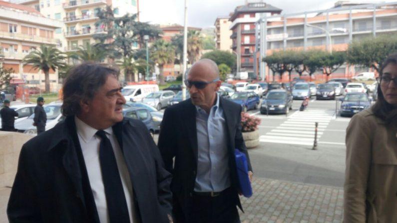 Inchiesta Sacal, vertici società davanti al giudiceColosimo:«Chiarirò tutto». Protesta dei dipendenti
