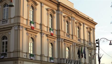 Assenze ingiustificate,8 dipendenti sospesi dal Comune di Pompei