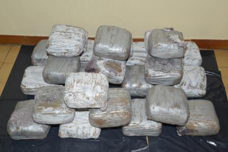 Spaccio di eroina e cocaina in Campania, 17 arresti