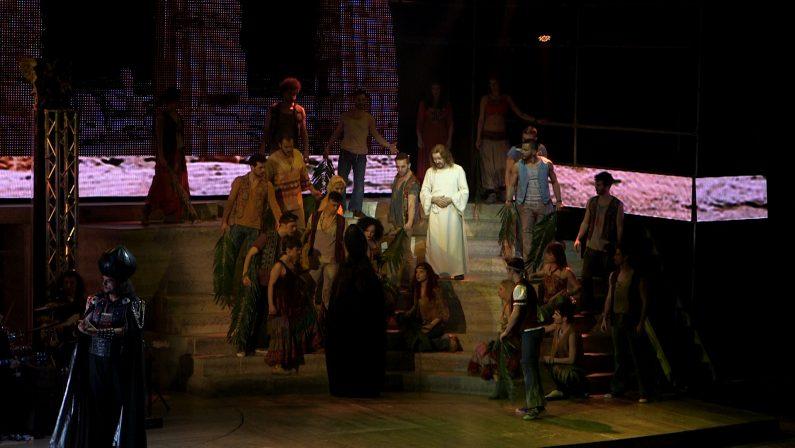 Il teatro Rendano conquistato da Ted Neeley, sempre più Jesus Christ Superstar anche dopo 44 anni