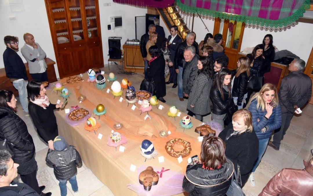 FOTO – Le uova di Pasqua decorate dai vip in mostra al Museum del Piretto a Civita