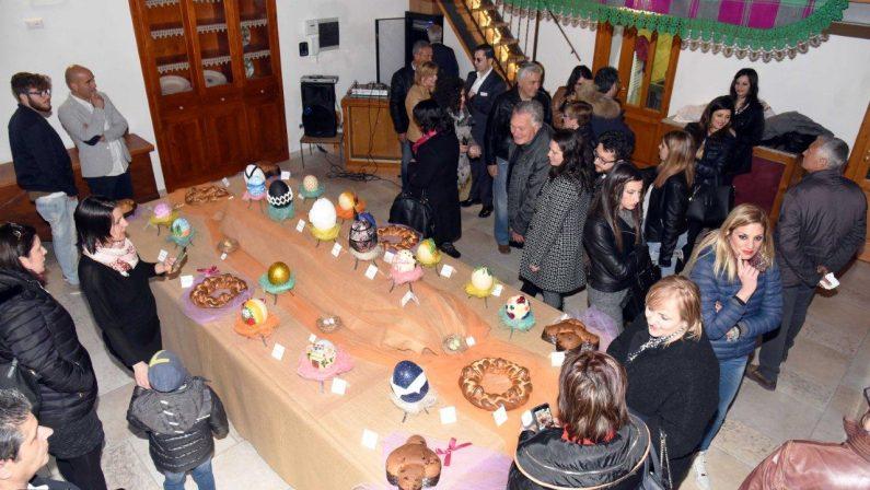 FOTO - Le uova di Pasqua decorate dai vip in mostra al Museum del Piretto a Civita