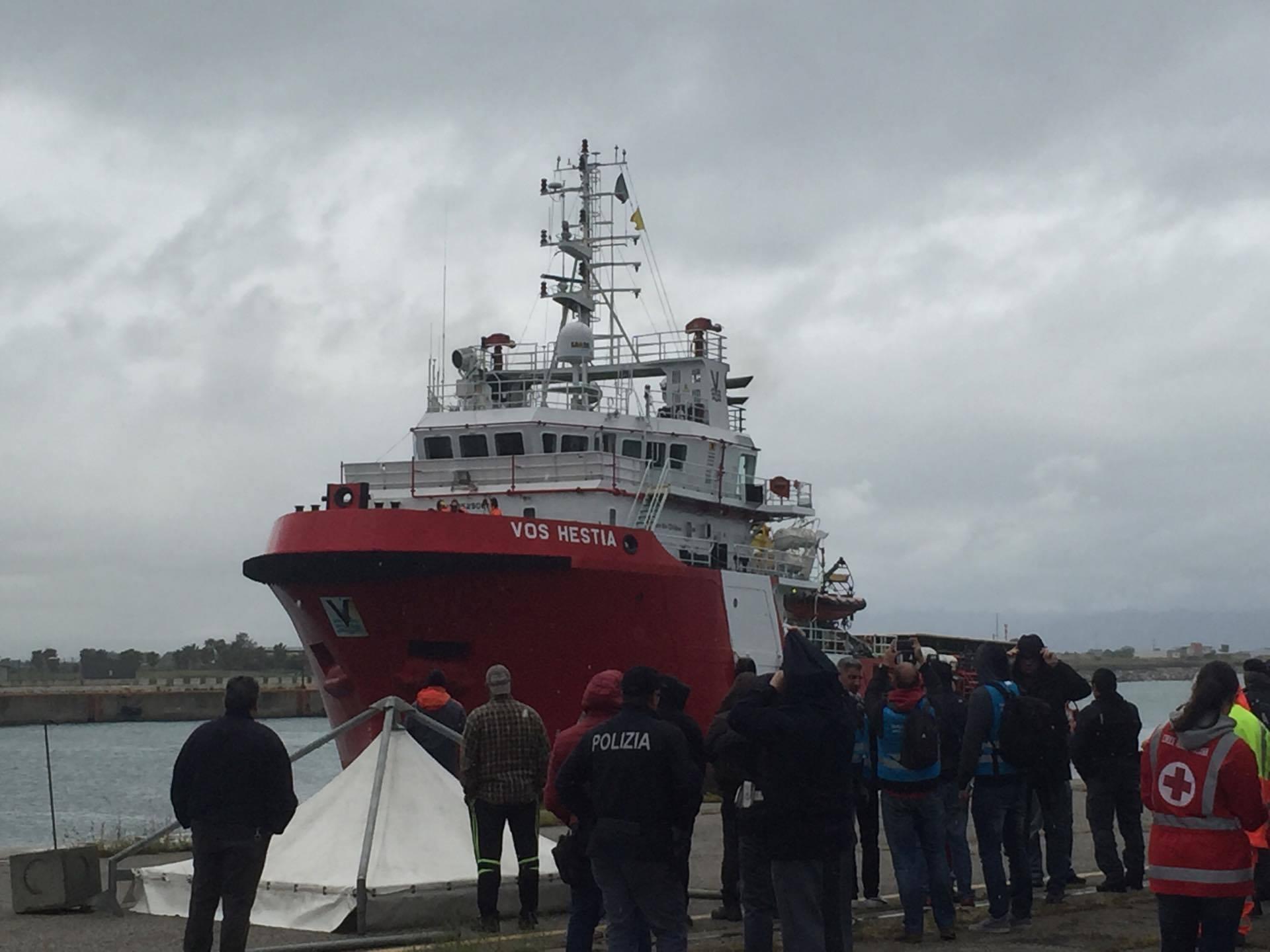 Ondata senza fine di migranti, 309 a CoriglianoSono stati soccorsi in mare il giorno di Pasqua