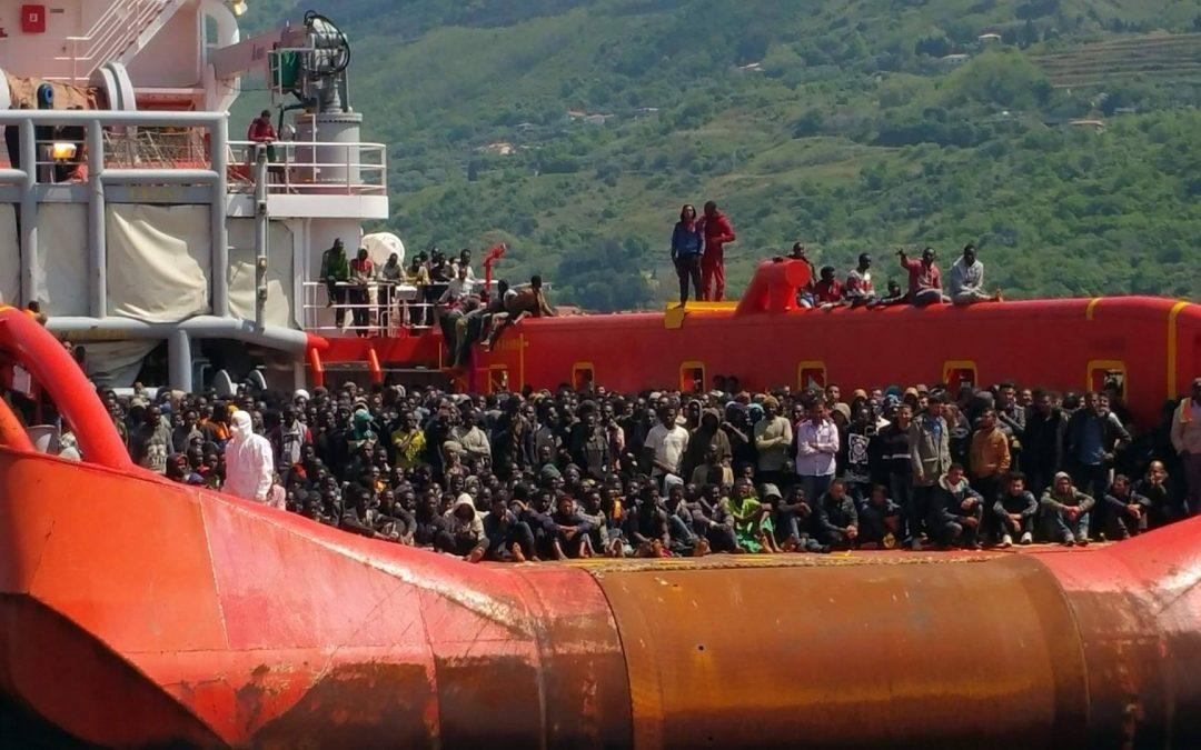 Uno sbarco di migranti in Italia