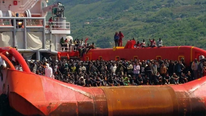 Sbarco record di migranti a Vibo Valentia: arrivate più di 1500 persone di varia nazionalità