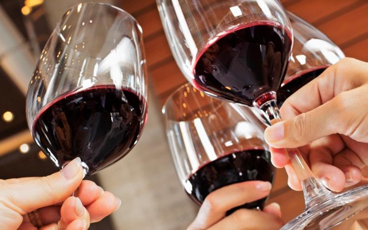 Il vino ed i liquori della Calabria protagonistiAl Vinitaly di Verona arrivano 500 etichette