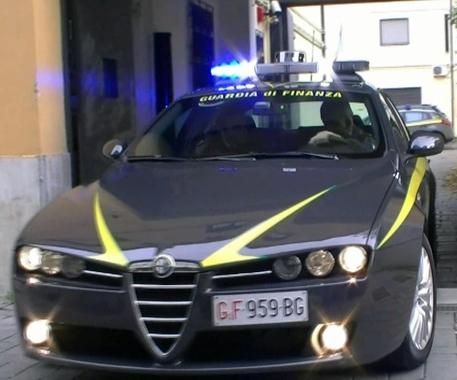 Salerno, sequestrati 26mila prodotti falsi