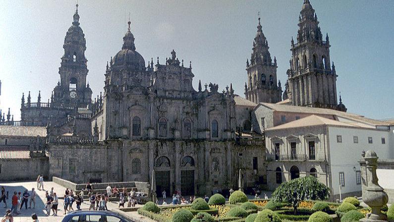 LA SCHEDA - Cos'è il Cammino di Santiago de Compostela Storia, tradizioni e segreti di un pellegrinaggio millenario