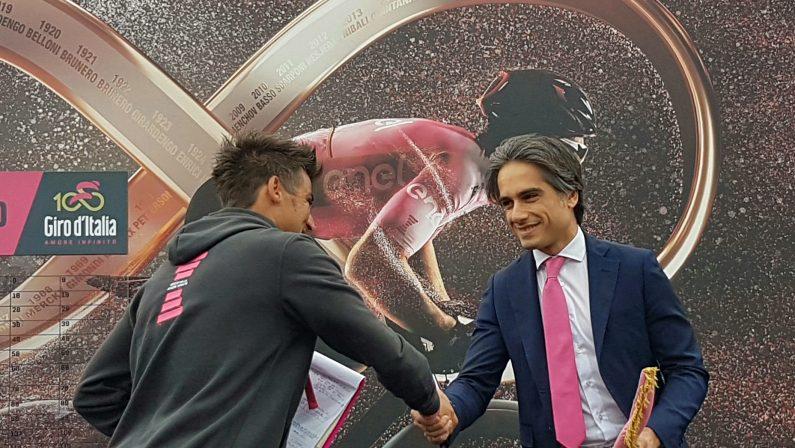 FOTO - Le immagini della tappa 6 del Giro d'ItaliaA Terme Luigiane vince lo svizzero Silvan Dillier