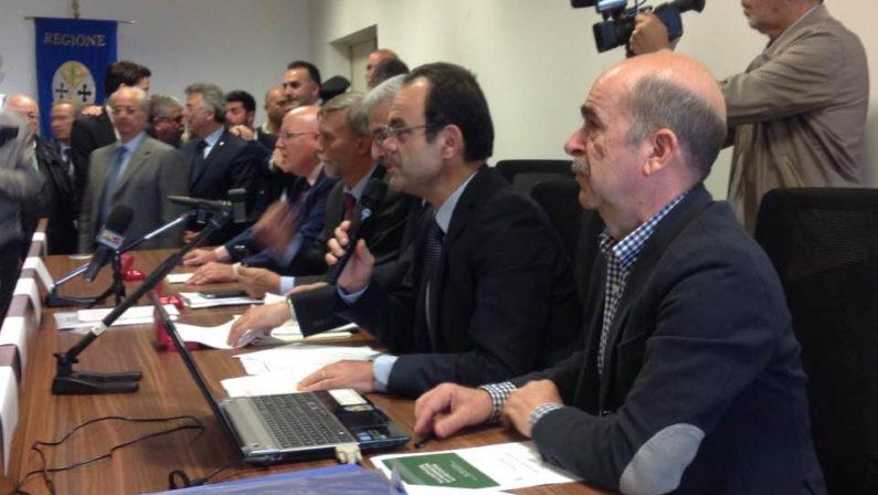 Calabria, nuova rete ferroviaria ionica dopo 150 anniDelrio e Oliverio rilanciano il sistema dei trasporti