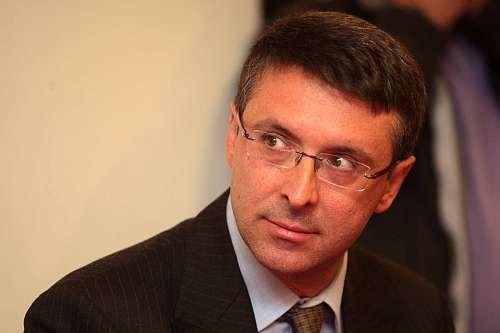 Il procuratore Raffaele Cantone ricoverato al Cardarelli di Napoli
