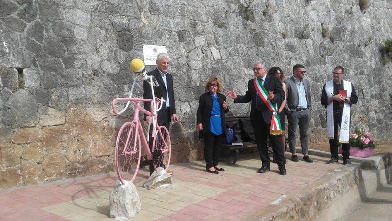 FOTO - Da Reggio Calabria a Cosenza, ecco come ci si prepara alla festa del Giro d'Italia