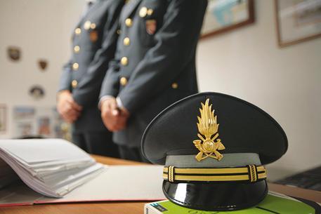 300 kg di droga in un tir diretto in Campania, due arresti