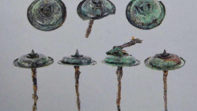 La borchia del VI secolo a. C. rubata a Pompei fu rinvenuta a Satriano di Lucania