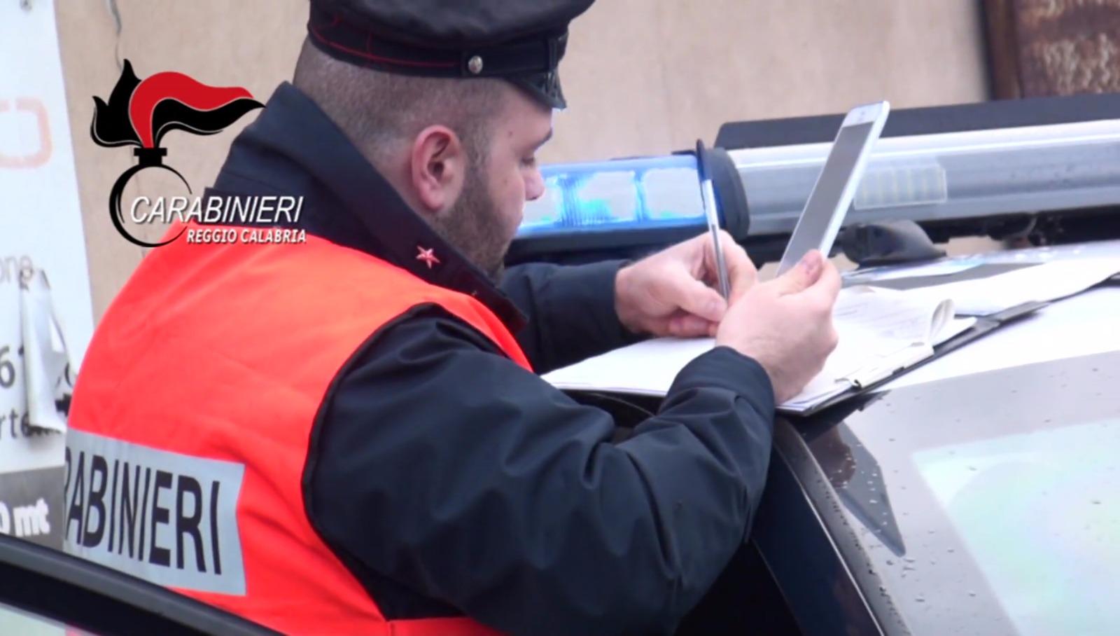 Rubavano all'interno del bar della villa comunale di Reggio Calabria: un arresto e una denuncia
