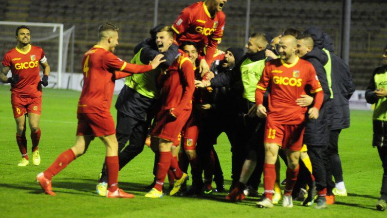 Lega Pro, il derby finisce 1-1: il Catanzaro si salva, la Vibonese retrocede in Serie D