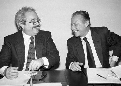"""Mafia, Carlo Sibilia (M5S): """"Falcone e Borsellino simboli del più alto sacrificio contro le per tutta Europa"""""""