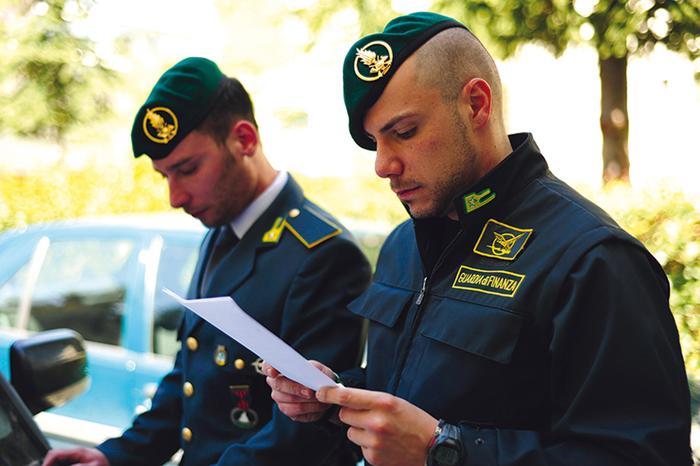 Gdf Roma confisca beni al clan Mallardo  per un valore di 38 milioni di euro