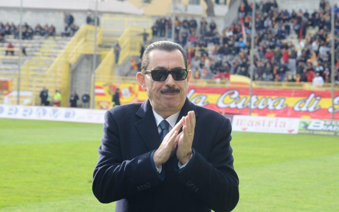 Calcio, Cosentino ha deciso di cedere il Catanzaro   Nominato amministratore unico, società in vendita