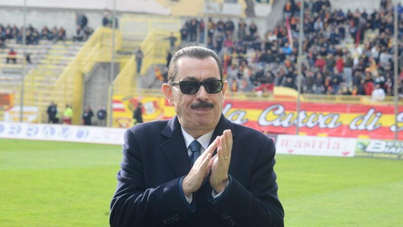 Il Catanzaro Calcio ha ufficialmente una nuova proprietàCosentino lascia il posto a una cordata di imprenditori