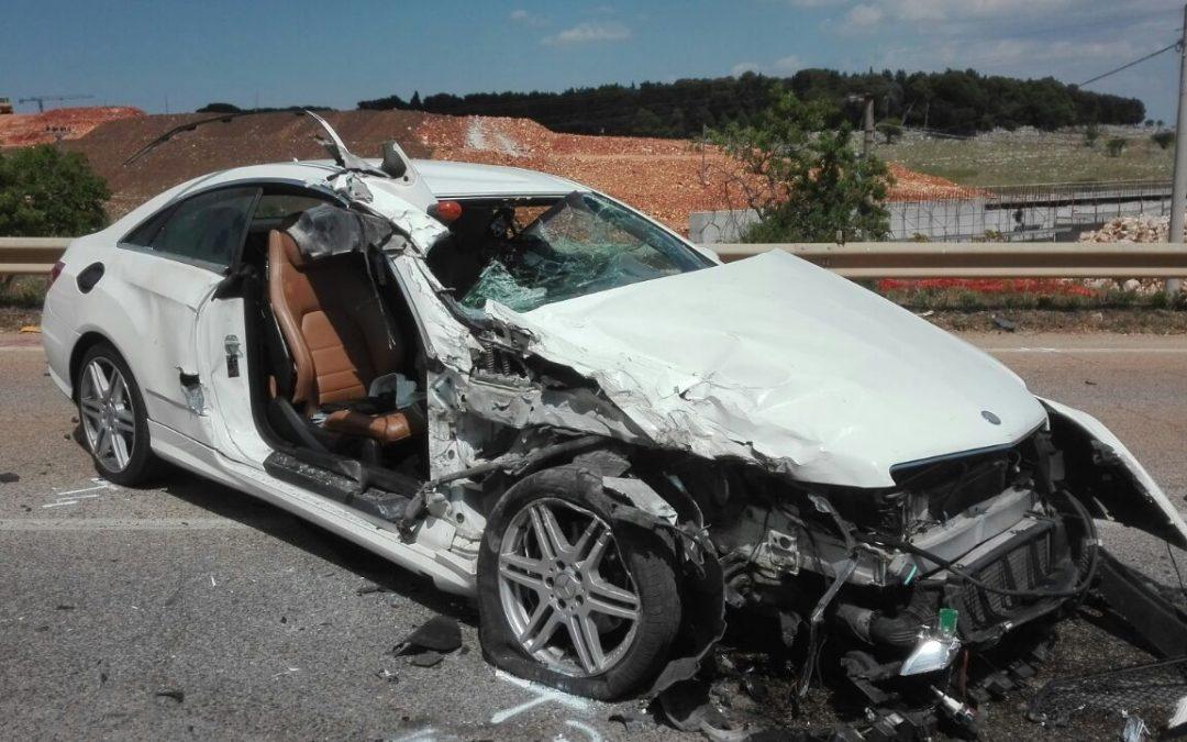 Spaventoso incidente stradale per Auteri: auto distrutta e tanta paura per il mister del Matera