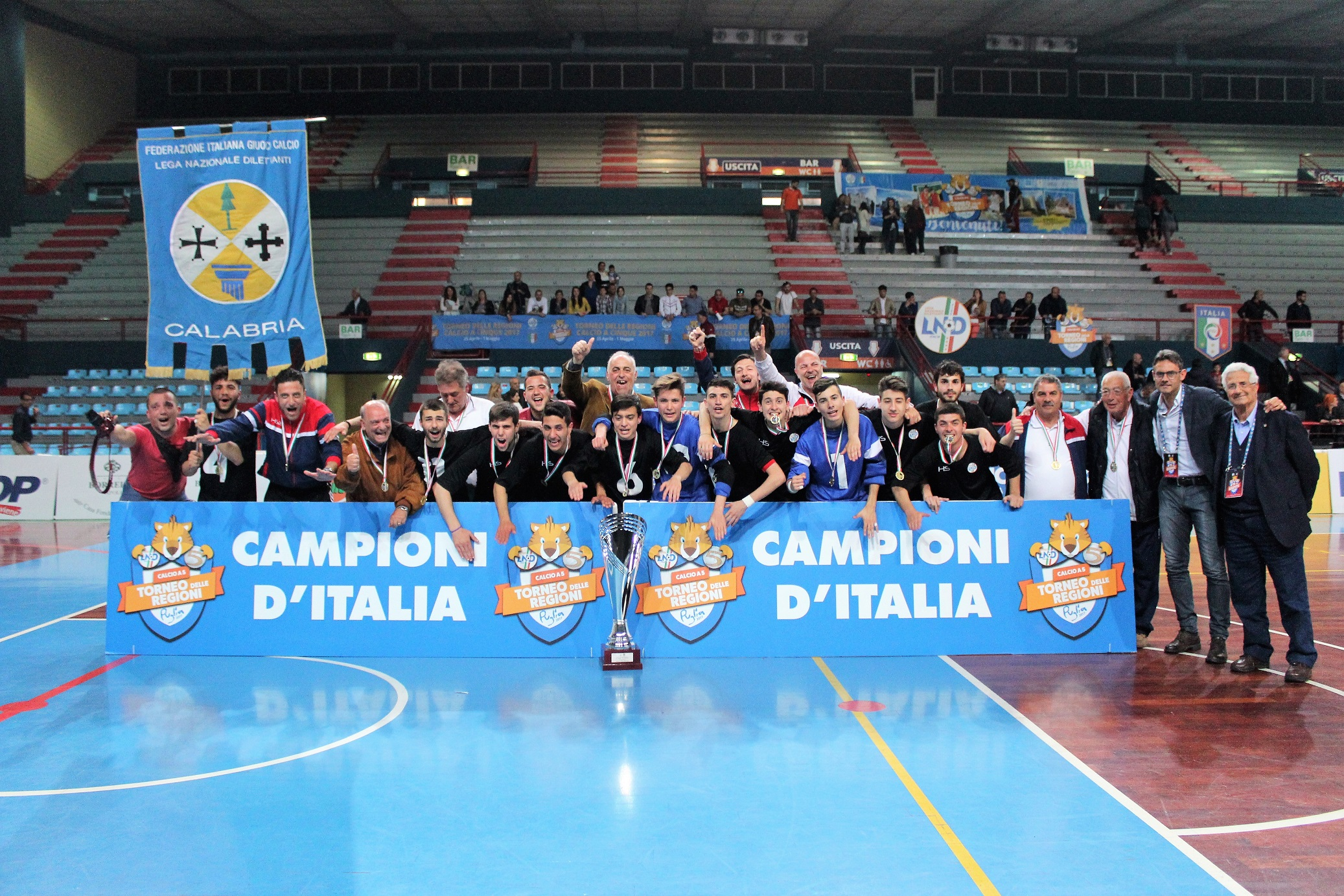 Festa grande per la Calabria sportiva e il calcio a 5La squadra Juniores si laurea campione d'Italia