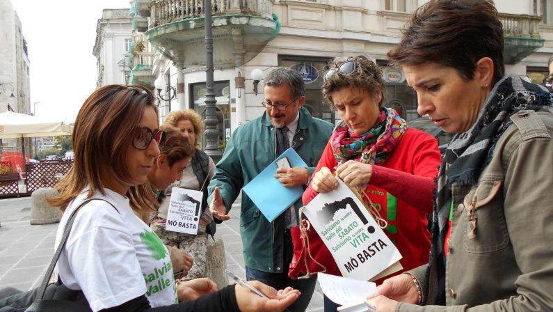 """""""Salviamo la Valle del Sabato"""": raccolta firme anche in strada: si parte da Avellino e Atripalda"""