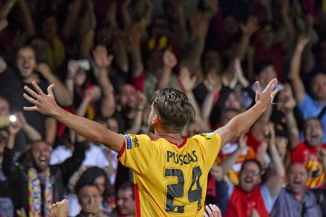 Il Benevento è nella storia, battuto il Carpi ai playoff: è Serie A