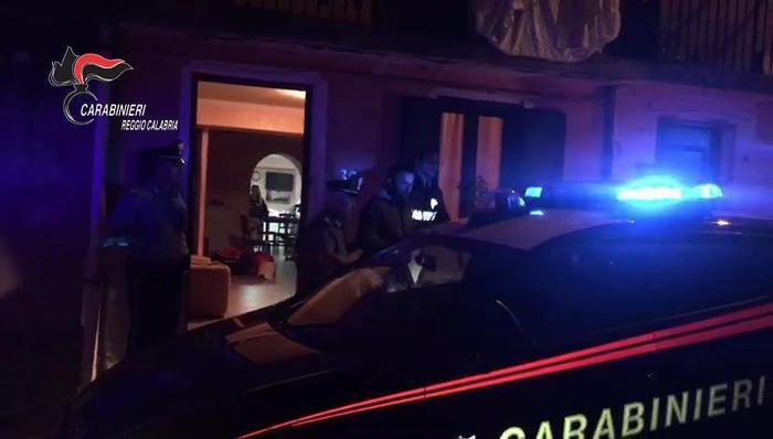 Uccisero il compagno della madre a colpi di fucileArrestati a Dinami, nel Vibonese, due fratelli