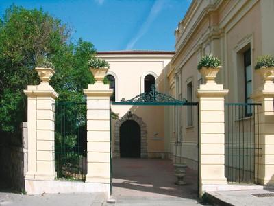 Condannato per tentata estorsione aggravata si dimette il presidente della Camera di Commercio di Vibo Valentia