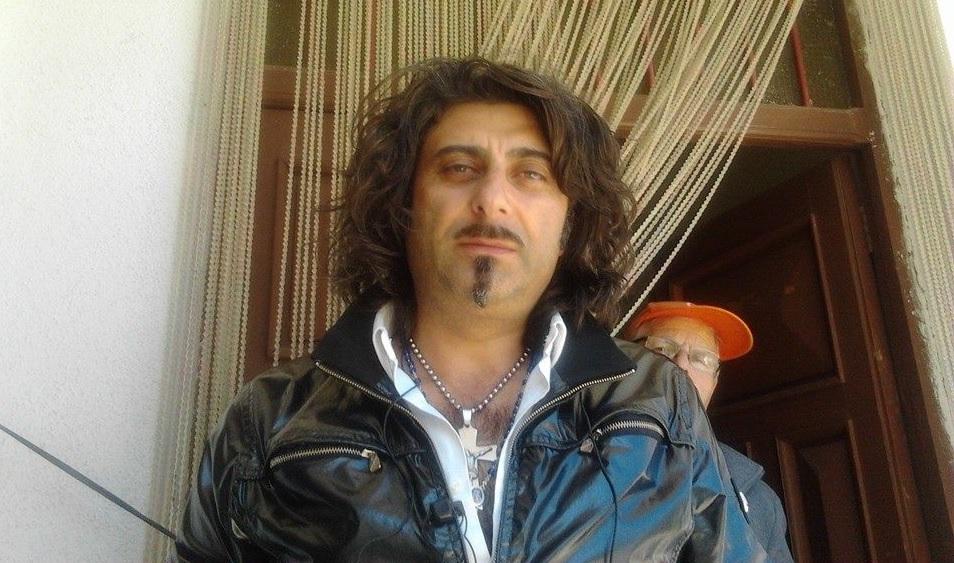Angelo Cofone, detto Frosparo: diventato popolarissimo sul web non è riuscito ad entrare nel consiglio comunale di Acri