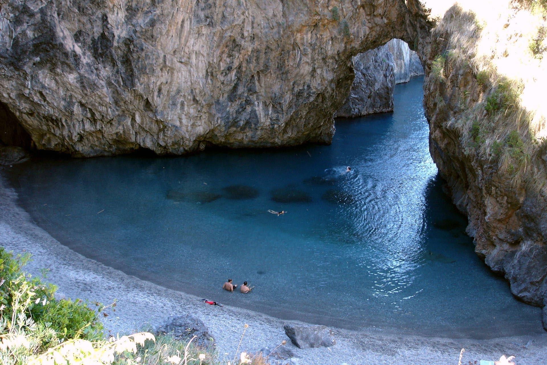 Bandiere Blu 2019, la Calabria vola a quota 11Due nuovi ingressi tra le spiagge più belle d'Italia