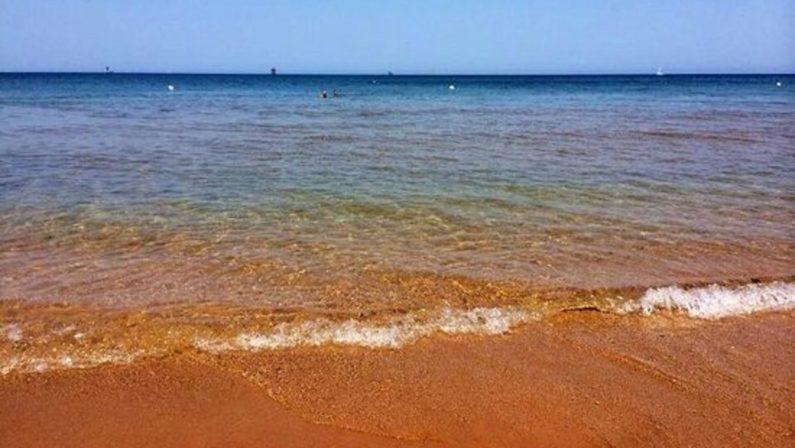 La spiaggia di Le Cannella a Isola Capo RizzutoLe meraviglie della Calabria, una regione da scoprire