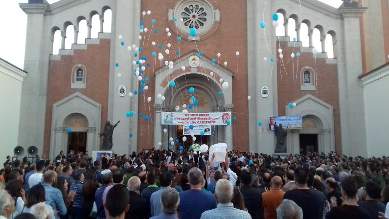In migliaia ai funerali di Francesco Prestia LambertiLa comunità di Mileto si stringe nella commozione