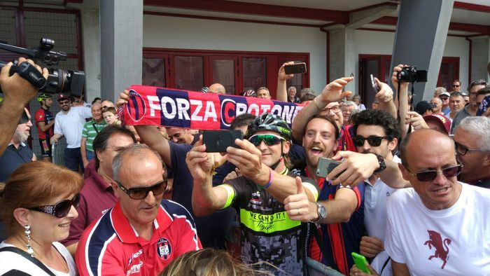 Crotone, festa a Torino per l'arrivo di mister NicolaConcluso il giro in bici:«Ora parlerò con la società»
