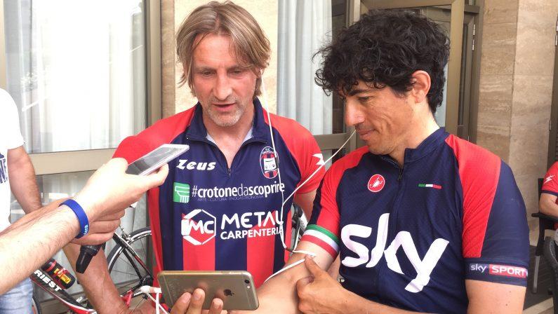 """FOTO – Il """"Giro d'Italia"""" di Nicola per la promozione del Crotone in Serie A, la tappa di Matera"""