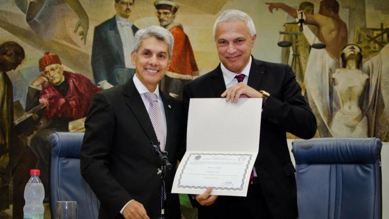 In Brasile una laurea honoris causa al professor Nuccio Ordine: riconoscimento a Caxias do Sul per gli studi umanistici