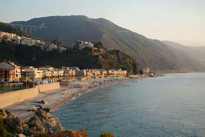 La spiaggia di Bagnara, 3 chilometri di lungomareLe meraviglie della Calabria, una regione da scoprire