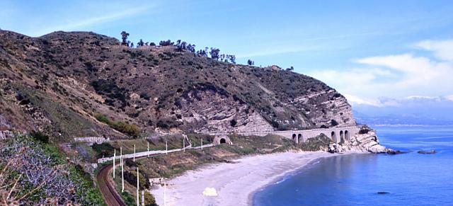 La spiaggia di Capo Bruzzano tra Ferruzzano e AfricoLe meraviglie della Calabria, una regione da scoprire