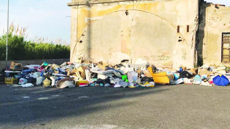 Vibo, bomba ecologica nella frazione MarinaLa secca denuncia del Partito democratico
