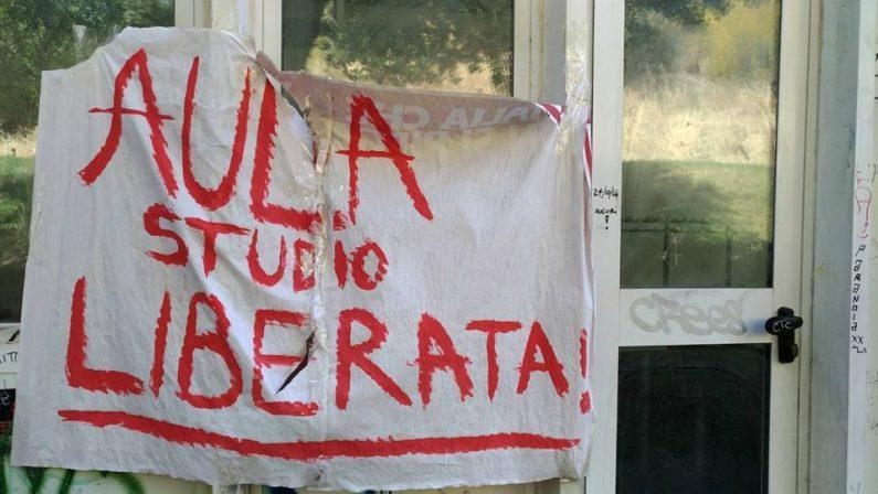 Aula occupata dagli studenti da un mese all'UnicalCarabinieri sollecitano lo sgombero della stanza