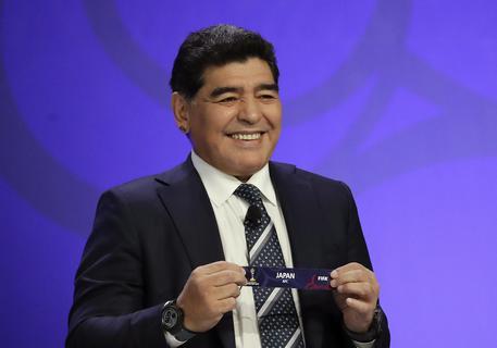 Maradona, in 30mila in piazza del Plebiscito per assistere alla consegna della cittadinanza