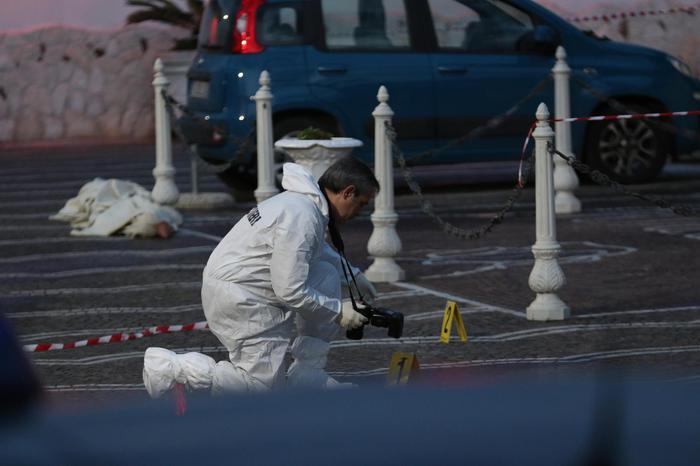 Castellamare, 59enne ucciso davanti ad una pizzeria: era ex collaboratore di giustizia