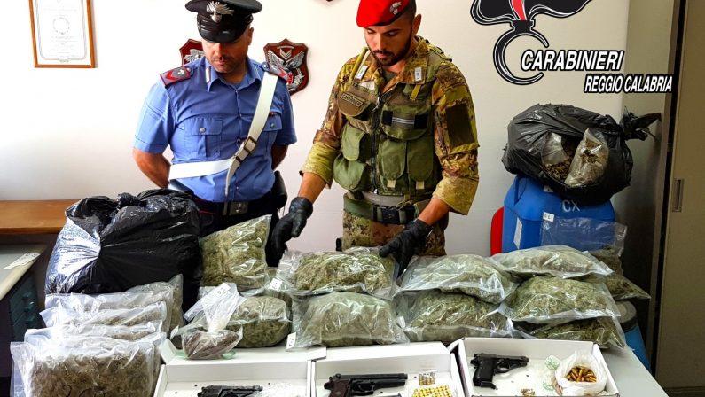 Armi, droga e munizioni scoperte a Reggio CalabriaErano nascoste in un casolare abbandonato