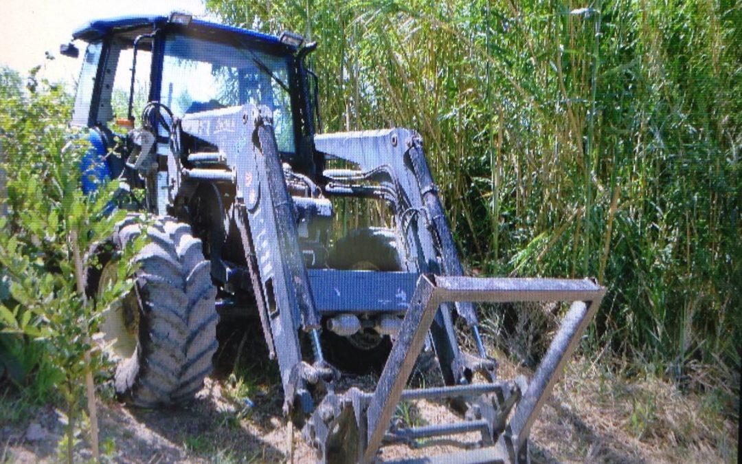 FOTO – Bancomat sventrato nel Catanzarese  Malviventi in azione con un trattore