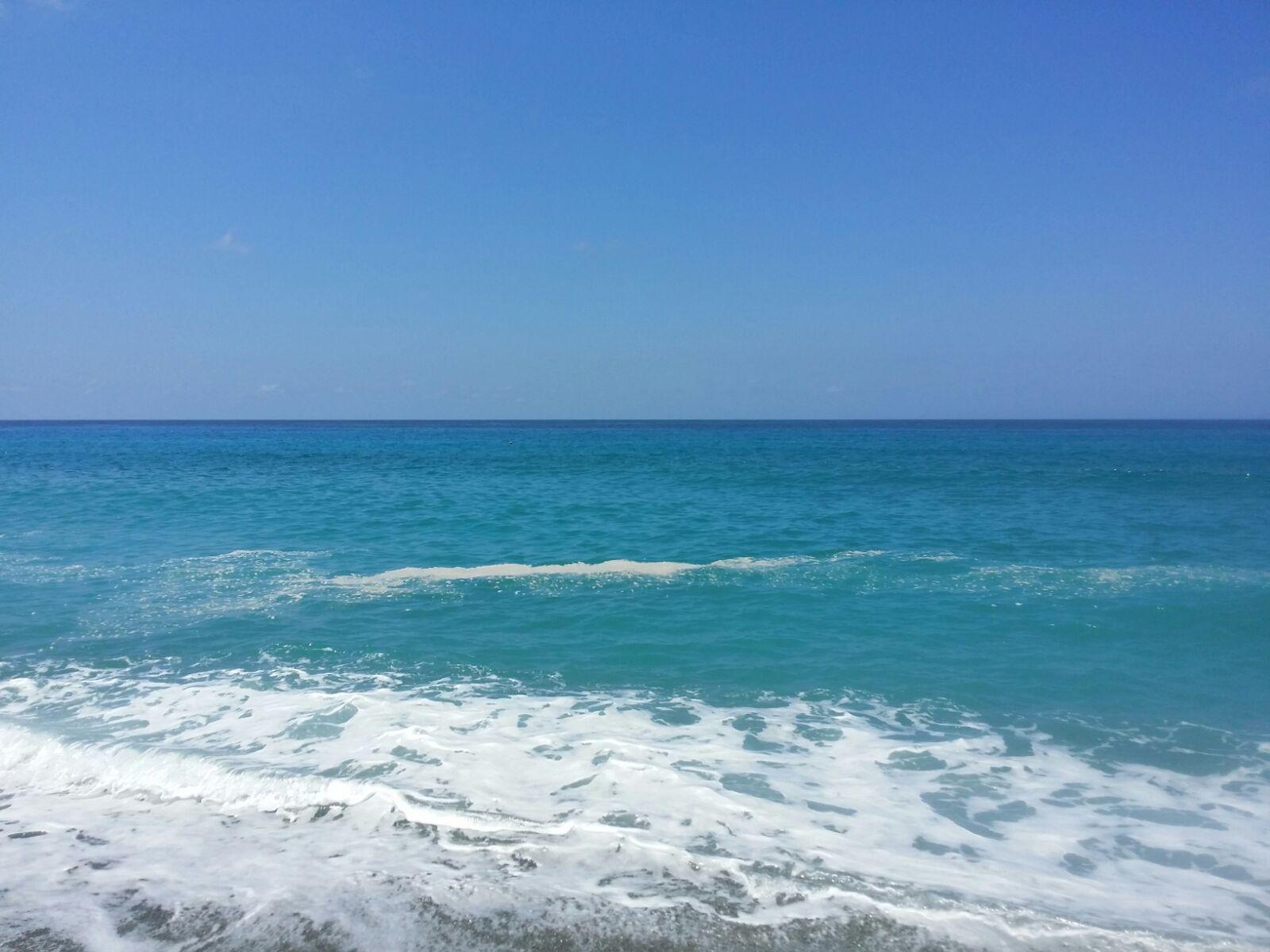 Mare sporco, aumentano le segnalazioni in Calabria  Chiazze in mare di colore scuro e maleodoranti