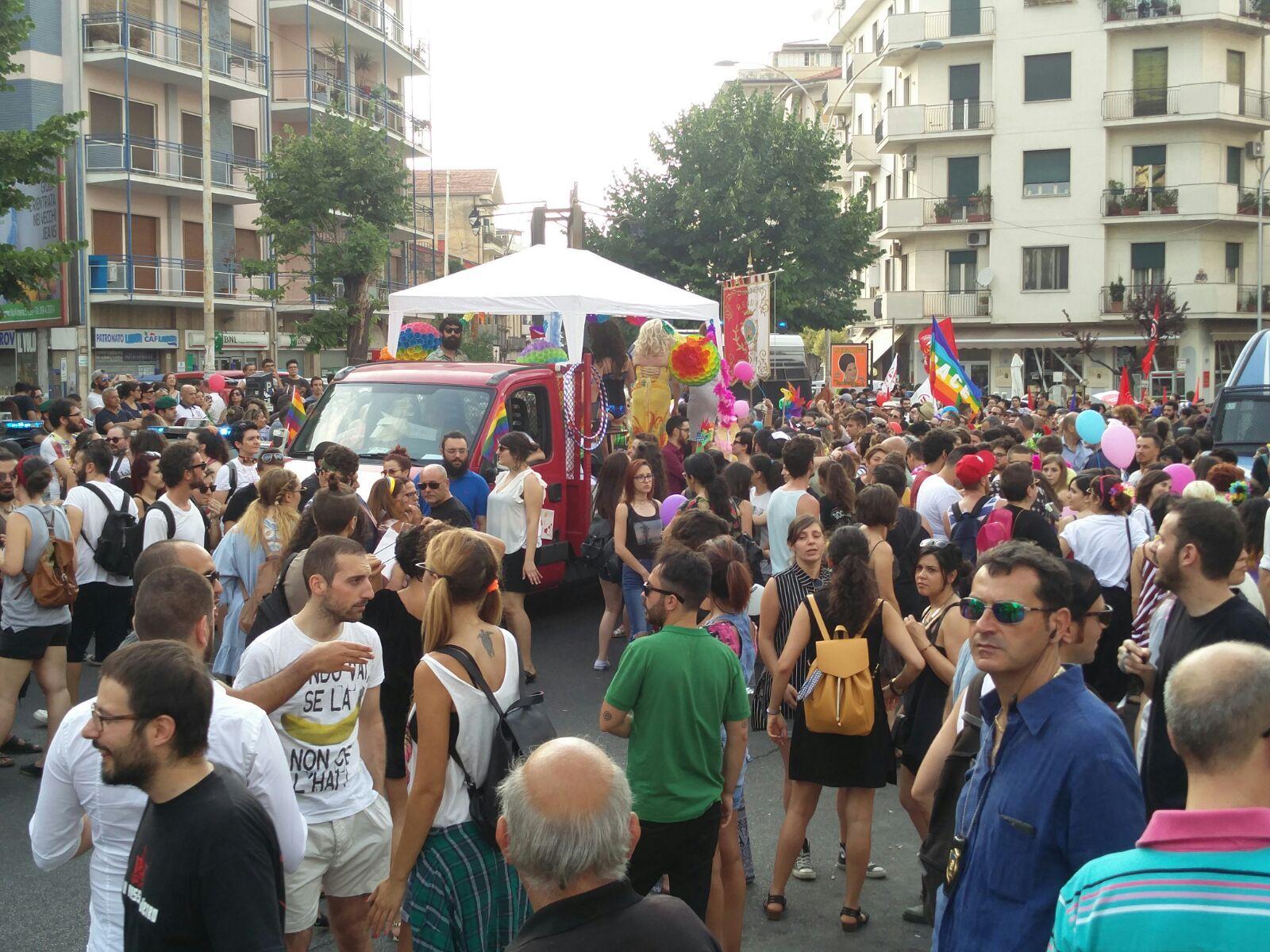 Gay Pride a Cosenza, la grande festaUn'occasione per ribadire la libertà di essere se stessi
