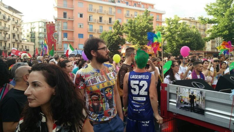 Cosenza Pride sospeso dopo lo strappo con Arcigay: «Il bene della comunità prima di tutto»